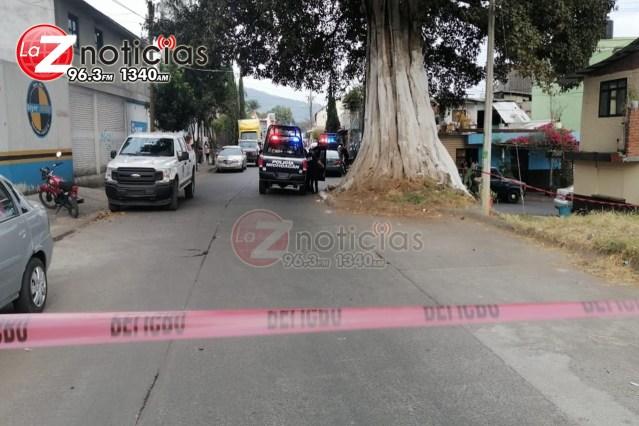 Cliente es muerto a balazos en una barbería de Uruapan