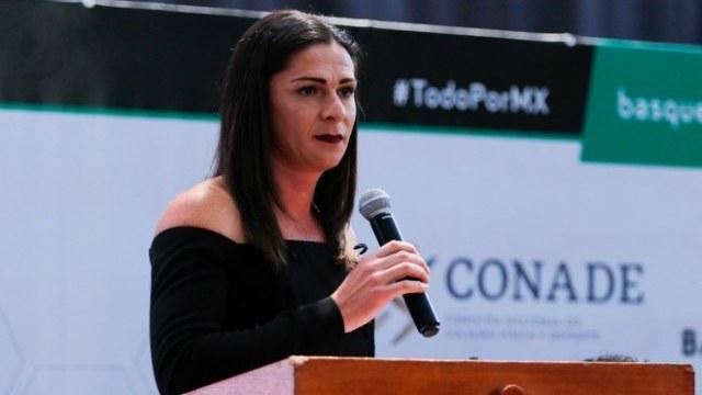 Ana Guevara promete a atletas darles vacunas contra Covid-19