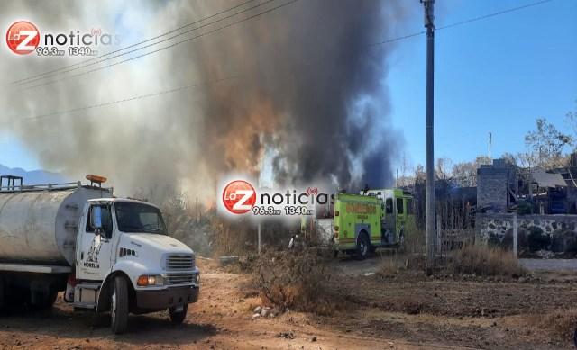 Arde deshuesadero de vehículos al poniente de Morelia