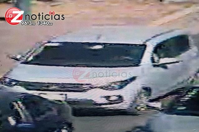 Asaltantes roban auto y dinero en Morelia