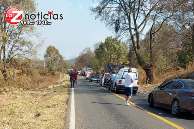 Abandonan cadáver embolsado en la carretera Carapan – Zacapu