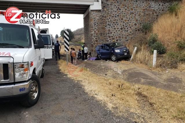 Un muerto y dos heridos en accidente vial en la Autopista de Occidente