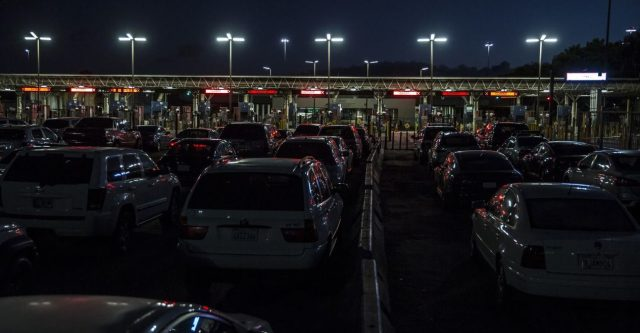 EU amplía otro mes restricción en frontera con México para viajes no esenciales