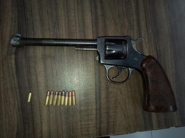 En Sahuayo, detiene SSP a uno en posesión de arma de fuego y vehículo
