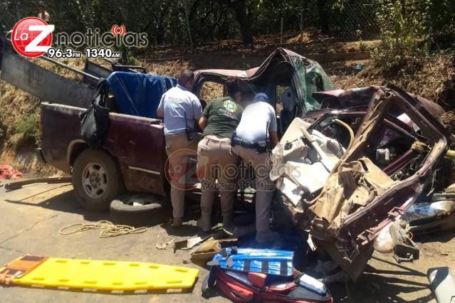 Se accidentan camionetas y cuatro hombres resultan heridos