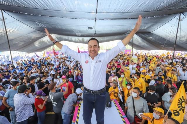 Traidores y agachones, diputados federales:Carlos Herrera