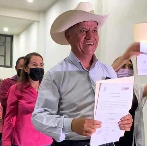 Privan de la libertad a alcalde electo de Penjamillo