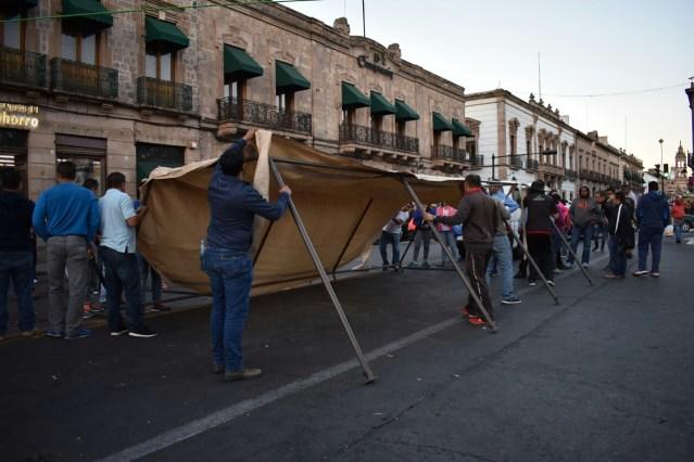 Comerciantes del Centro Histórico pierden entre 30 y 40 millones de pesos por plantón y por «abandono» de la obra en Avenida Lázaro Cárdenas