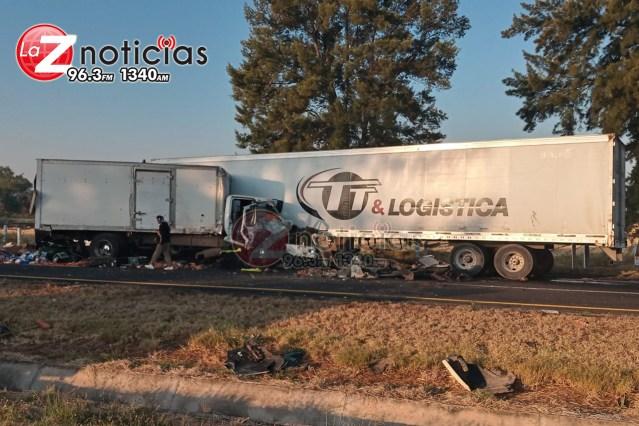 Se registra carambola vehicular en región de Vista Hermosa; hay 3 personas lastimadas