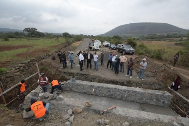 Humberto Arróniz supervisa avance en camino La Concepción-Cuto de la Esperanza