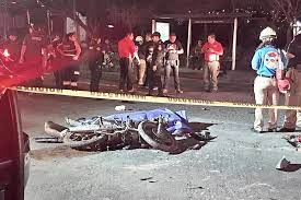 Dos adolescentes mueren al impactar su moto contra una camioneta