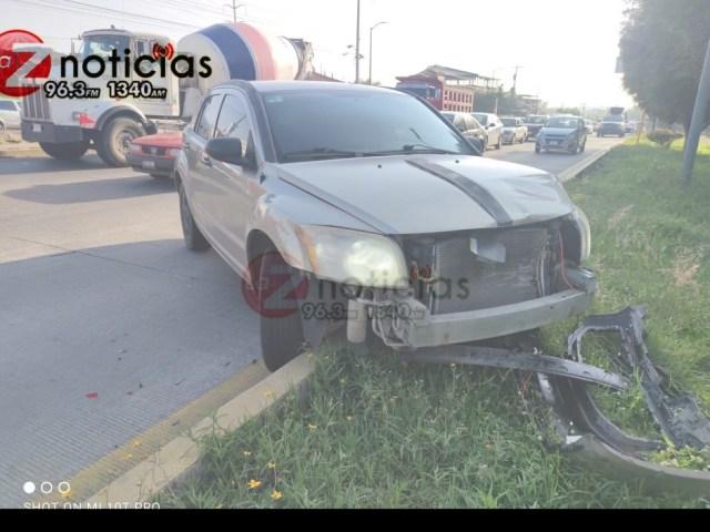Se registra choque entre 2 vehículos en el libramiento poniente de Morelia