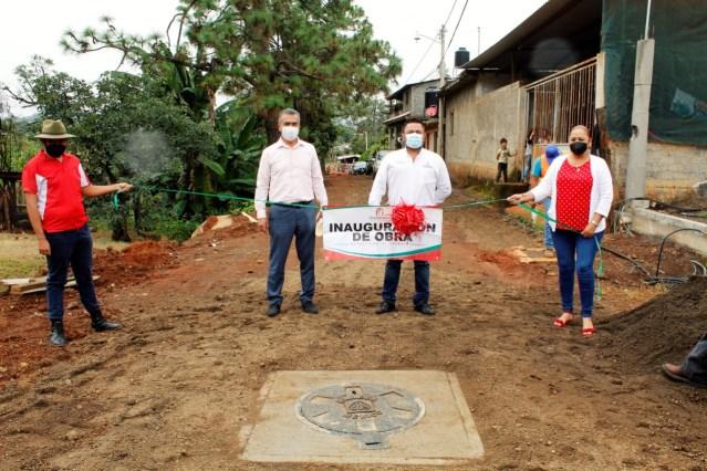 En Ziracuaretiro, más obra pública para el bienestar de las familias