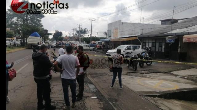 Peatón es asesinado a balazos en la zona del Mercado de la Charanda