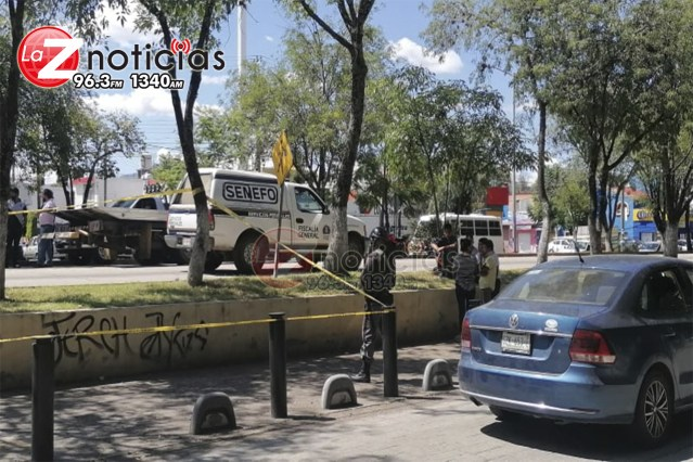 Motociclista muere en choque contra auto en la Calzada Juárez