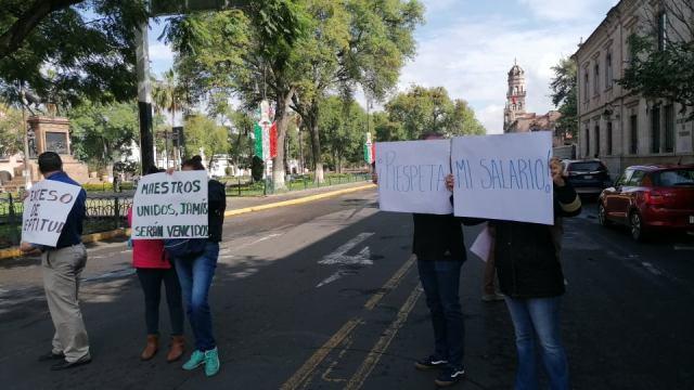 Profesores realizan jornada masiva de manifestación