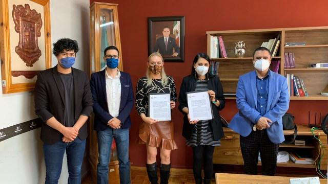 Firman Semigrante y Universidad Magno Americana acuerdo de educación binacional para migrantes