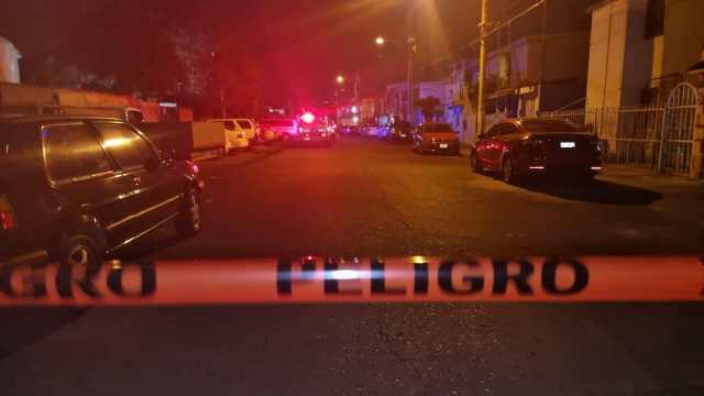 Delincuentes balean casa y taxi en el Infonavit Palo Alto