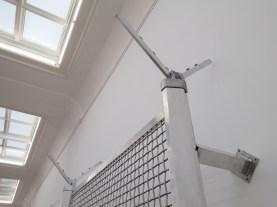 «VERTICALSEAT», détail (2016) de Yngve Holen | exposition «Verticalseat» de Yngve Holen à la Kunsthalle Basel du 13 mai au 14 août 2016 (photo : alain walther)