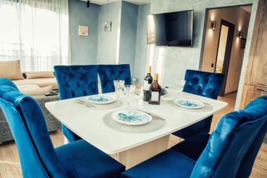Lazurniy Bereg Holiday Villas And Vacation Rentals Dining Area 02