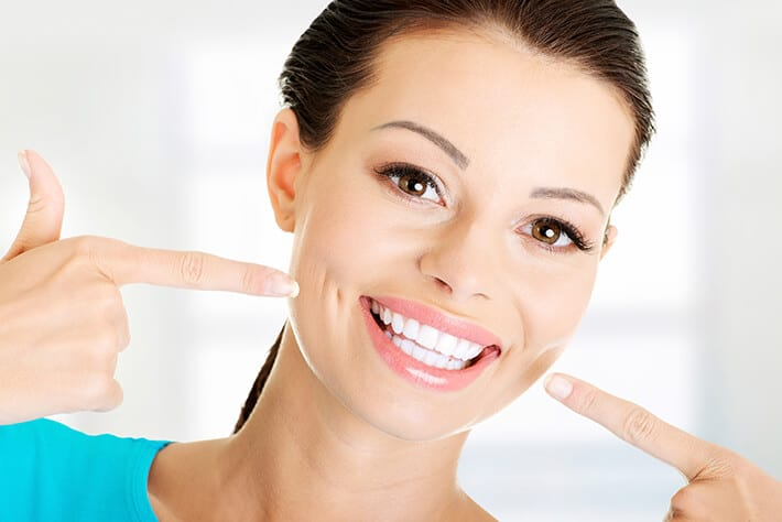7 Natural Teeth Whitening Home Remedies