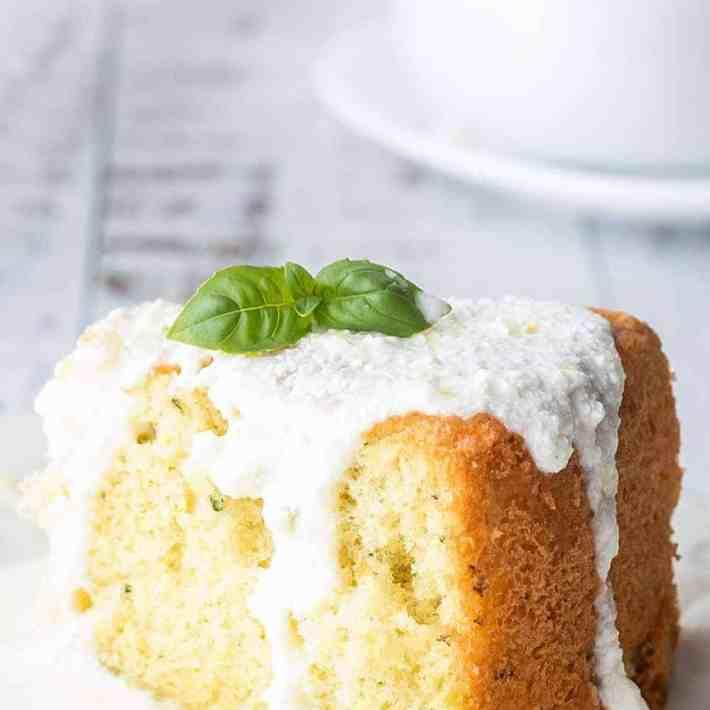Easy Keto Lemon Cake Recipe