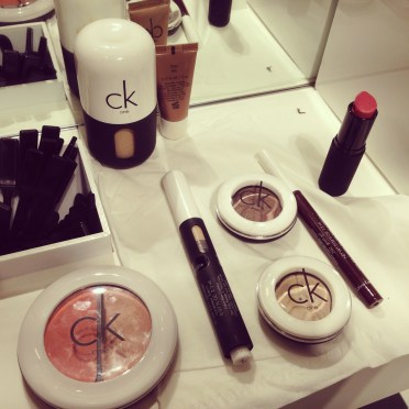 Maquillaje-ck-one-color