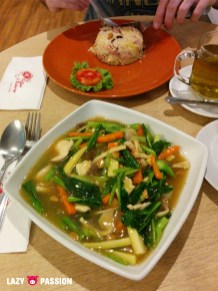 veggies and rice noodle 'soup'