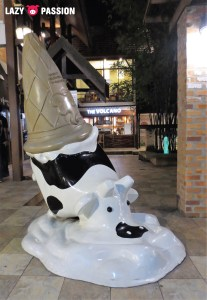 metling cow statue
