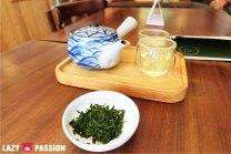 A tea + edible tea leafs