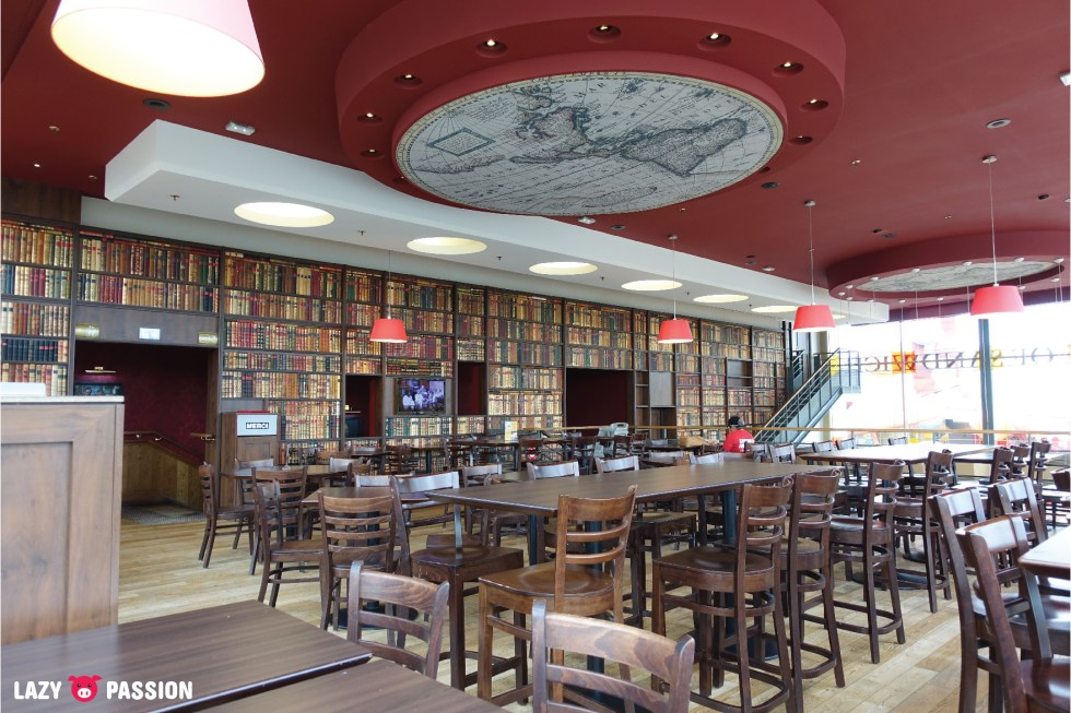 Earl of Sandwich interior Disneyland Paris