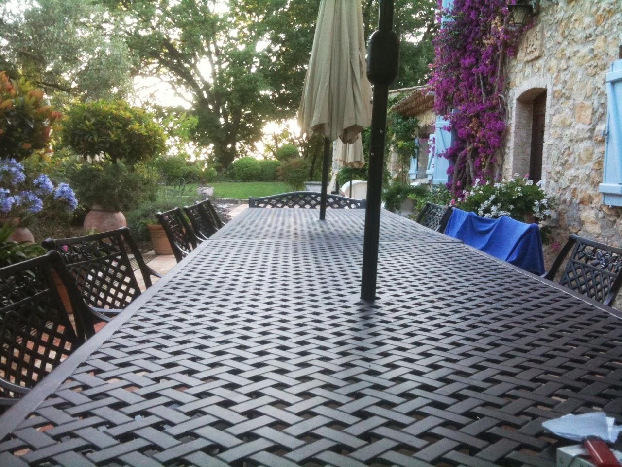 Table Jardin 16 Personnes : Cherche Salon De Jardin Grande Taille Le ...
