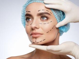 تخصّص الجراحة التجميلية: ما لا تعرفه عن واحد من أصعب التخصّصات وأكثرها وربحاً