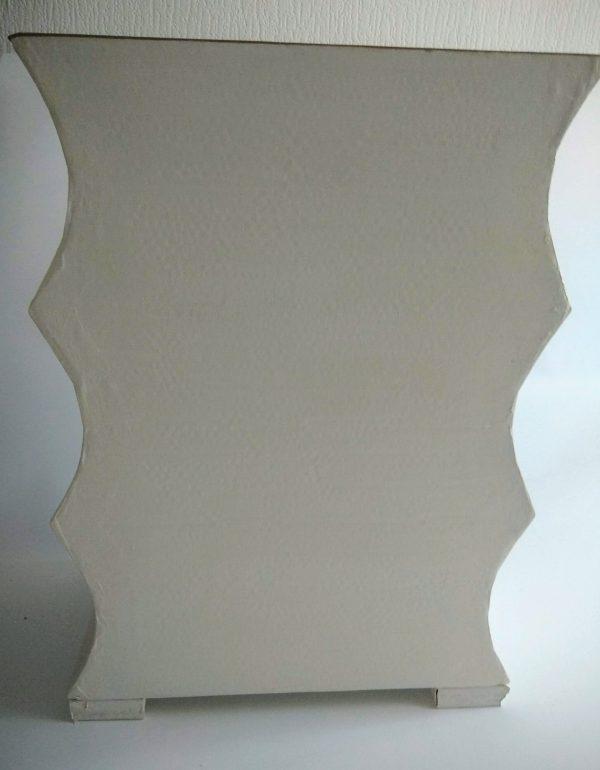 Petite commode ou table de chevet blanche et dorée - dos