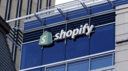 Immeuble avec logo Spotify