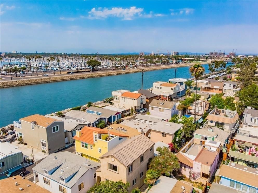 At Seal Beach Shores, you can live by the ocean on a beach bum's budget