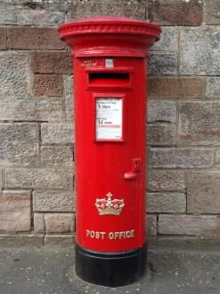 ER/Scottish Crown pillar box, Glasgow. Bob Drummond