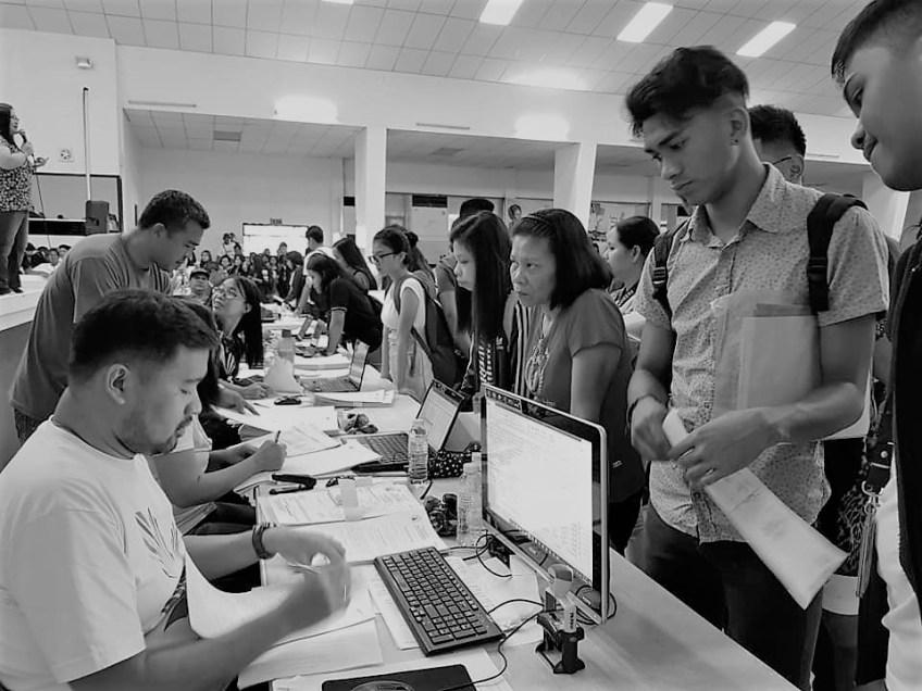 students applying for scholarship