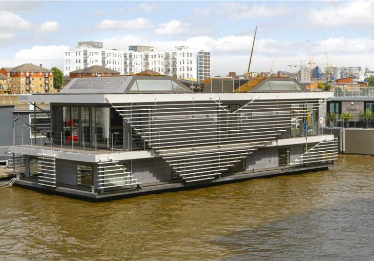 Best Houseboats For Sale