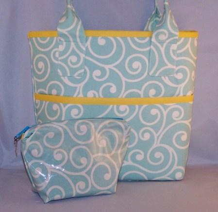 Vinyl Cosmetic Bag Tutorial - http://wp.me/p2ZX0M-Hb