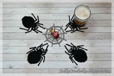 Spider & Cobweb Coasters - by Lalka Crochetka - http://lalkacrochetka.blogspot.com/2016/10/spider-cobweb-coasters-podkadki-pajaki.html
