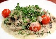 File de porc (medalion) cu ciuperci
