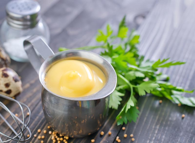 maioneza de casa din oua, ulei si mustar