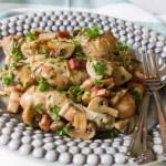 copanele de pui fricassee cu pancetta si ciuperci champignon