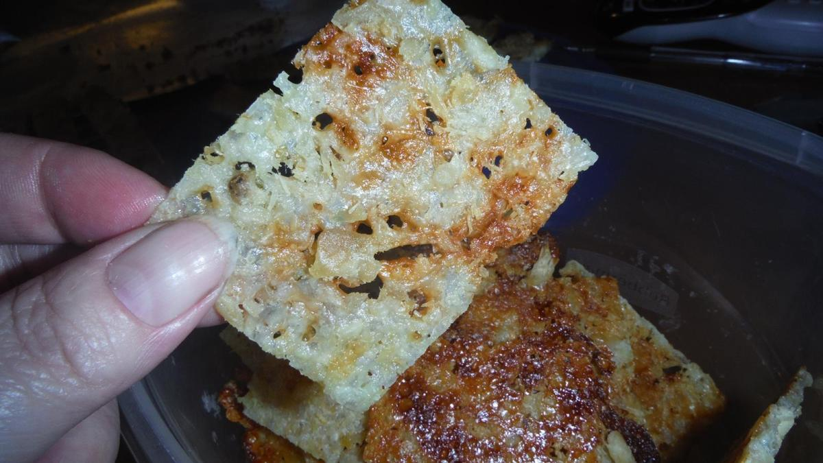 Chicken & Cheese Crackers! #LCHF #Delicious