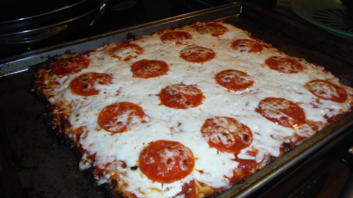 Best Freaking Pizza Ever and It's Low Carb! #LCHF