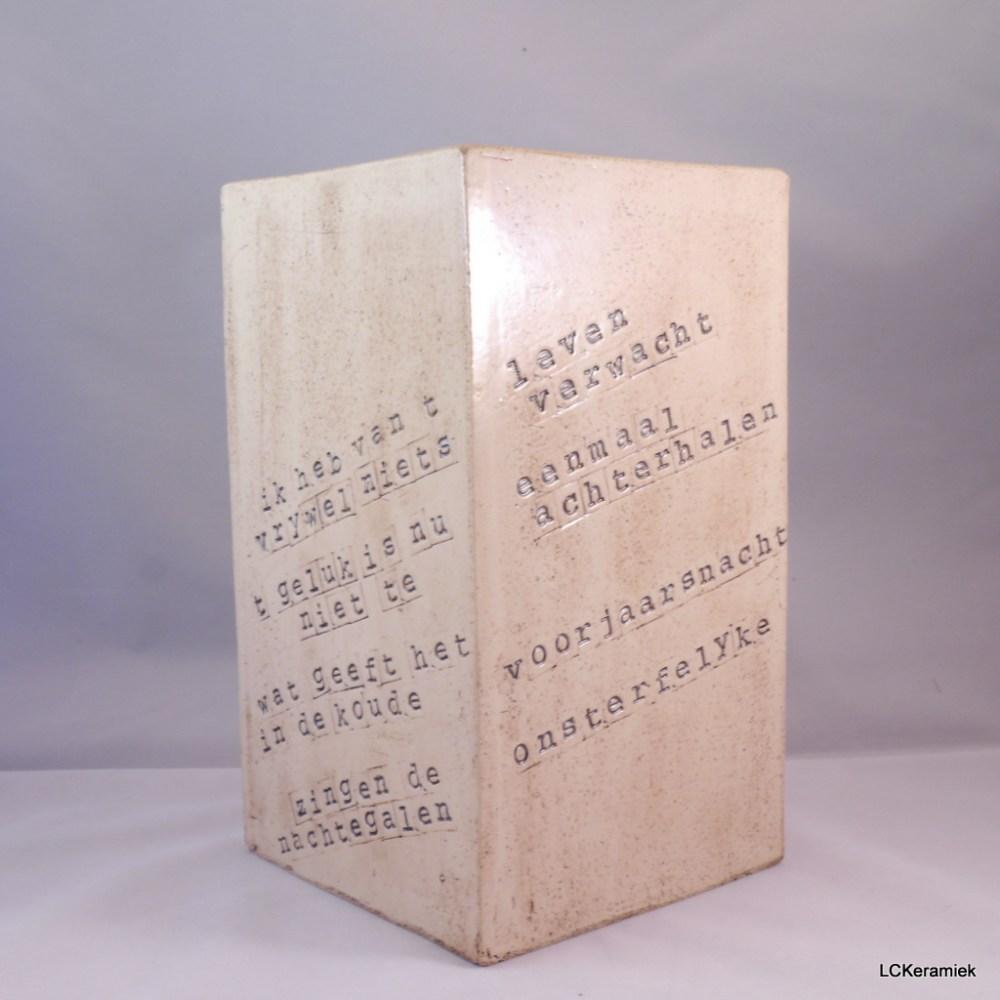 Handgemaakte aardewerken vaas door LCKeramiek