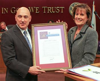 Senator Knight honors Captain Bob Jonsen of the Los Angeles County Sheriff's Department, Palmdale Station