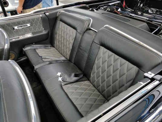 Leal Lincoln Rear Seat