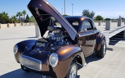 Custom Vehicles and Low Riders Highlight Reunion Car Show